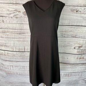 GARNET HILL Black V Neck Sleeveless Sheath Dress